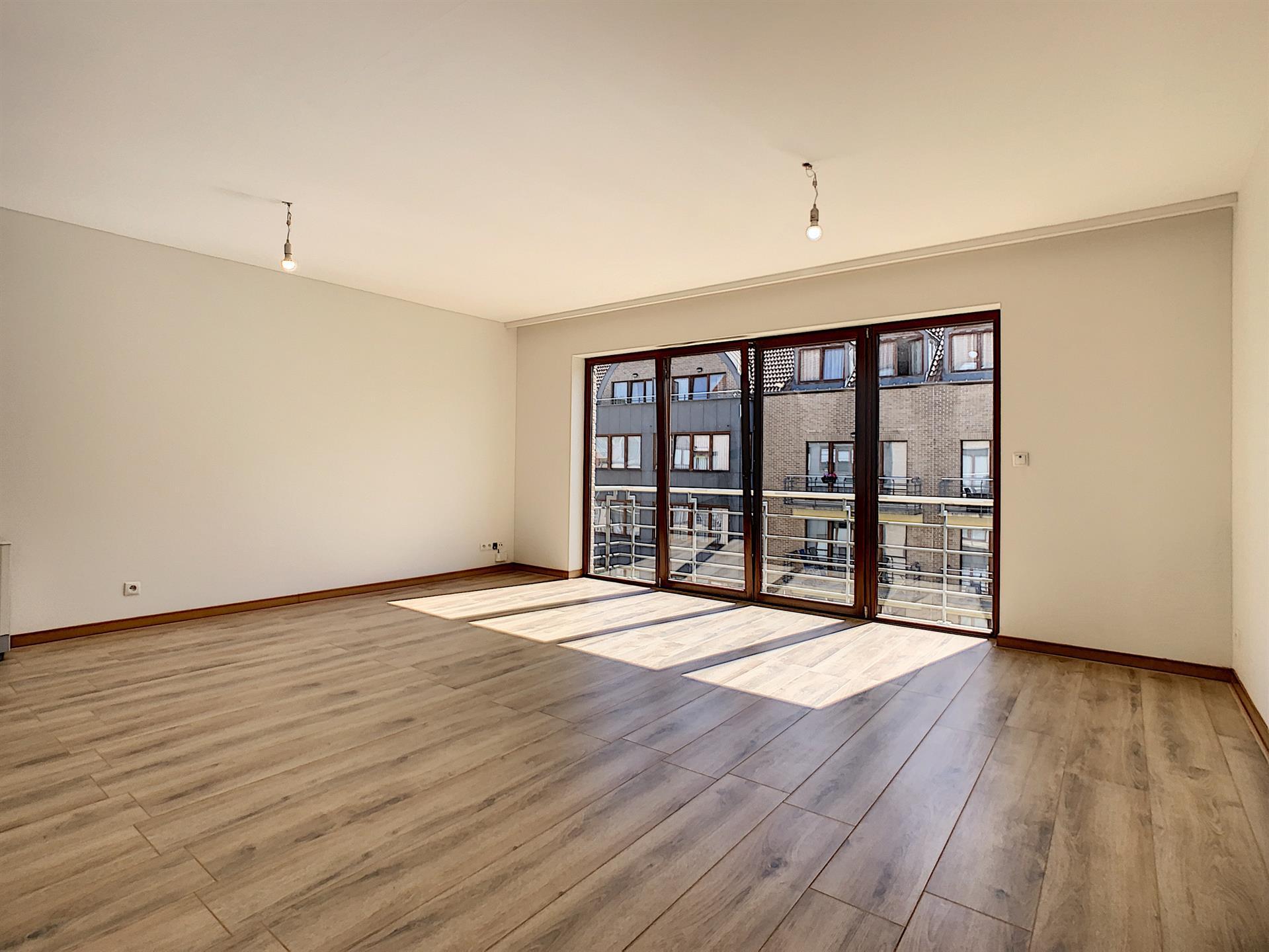 Appartement - Anderlecht - #4390142-1