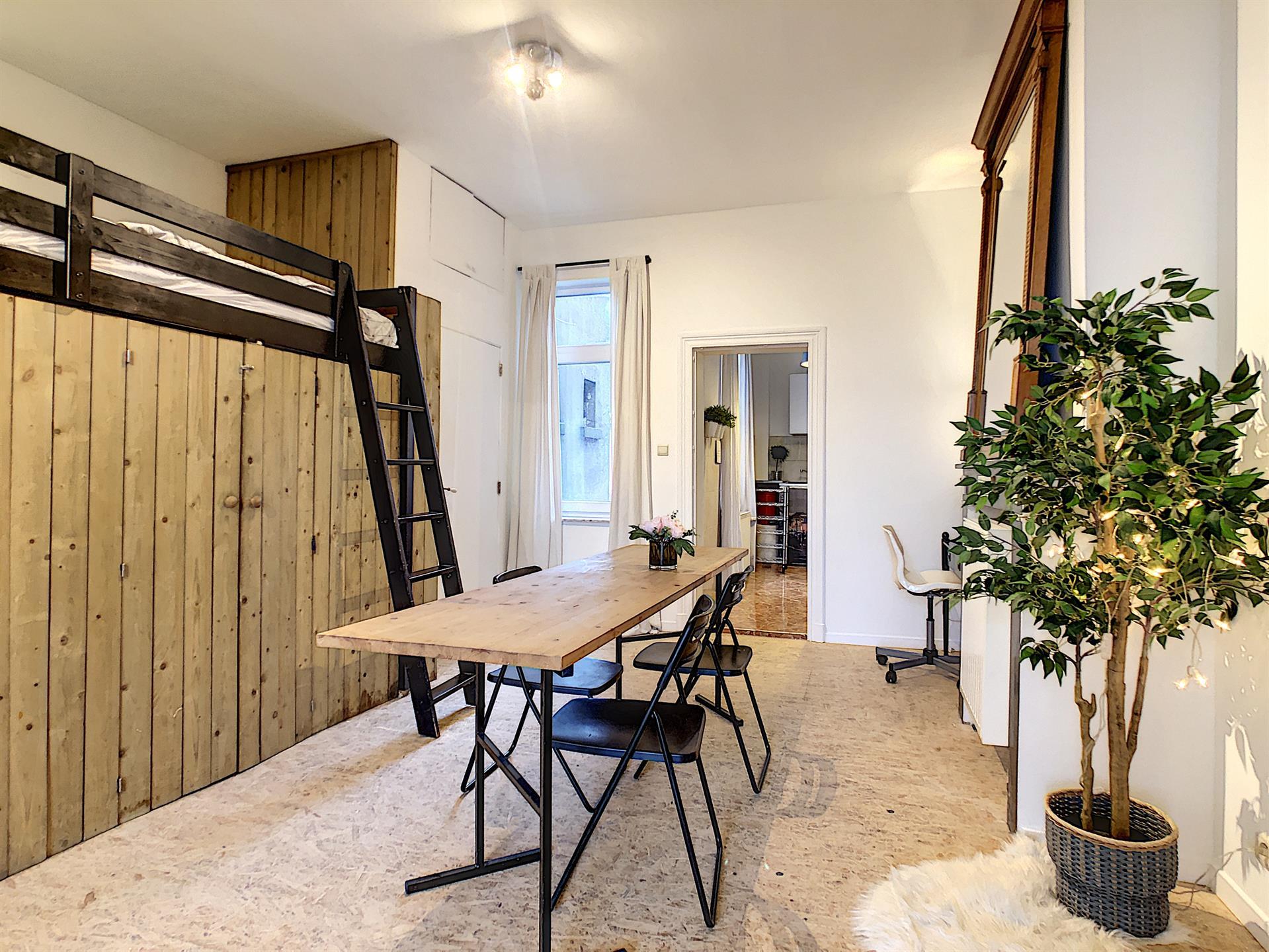 Appartement - Anderlecht - #4397685-1