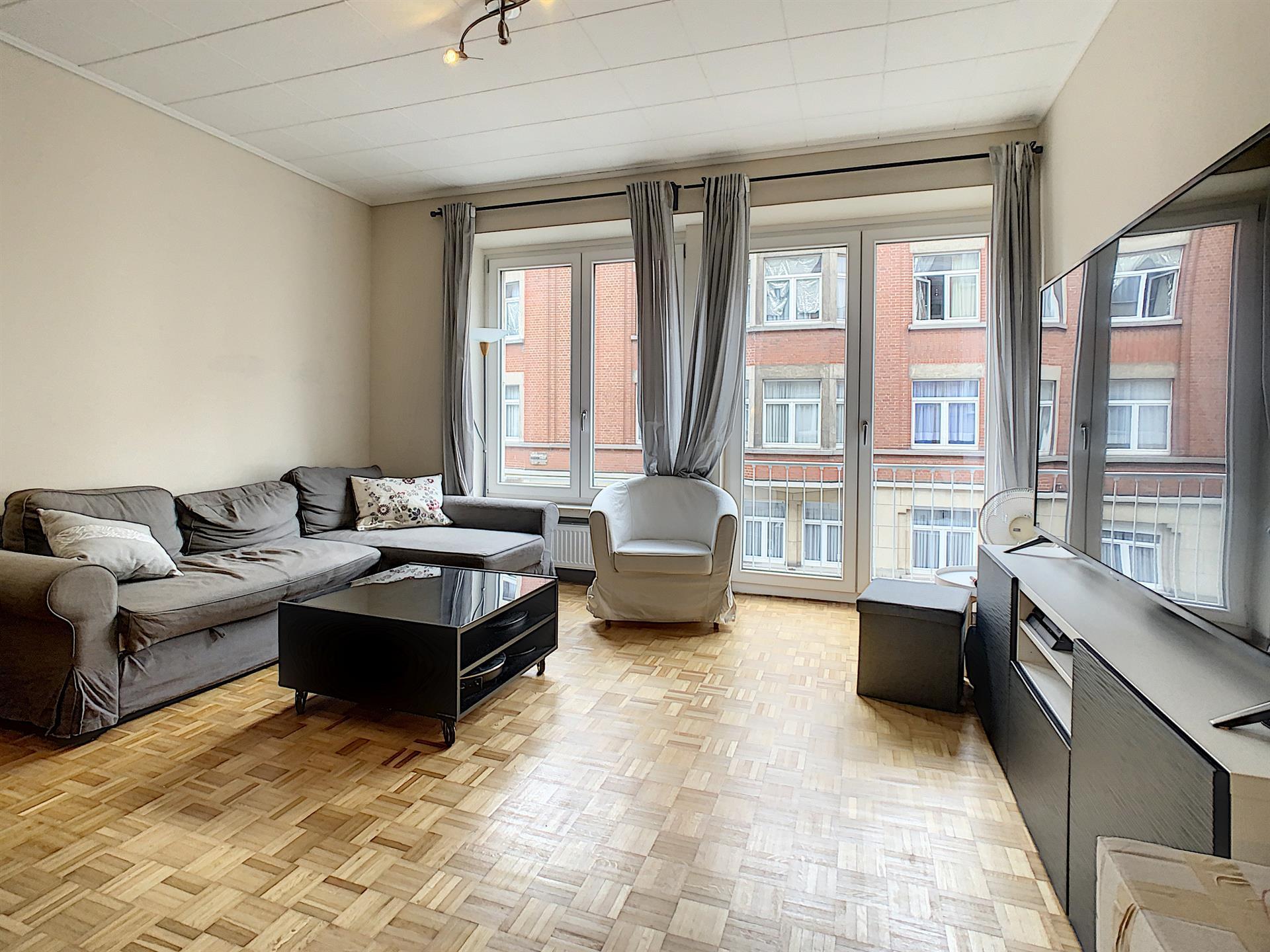 Appartement - Etterbeek - #4418245-0
