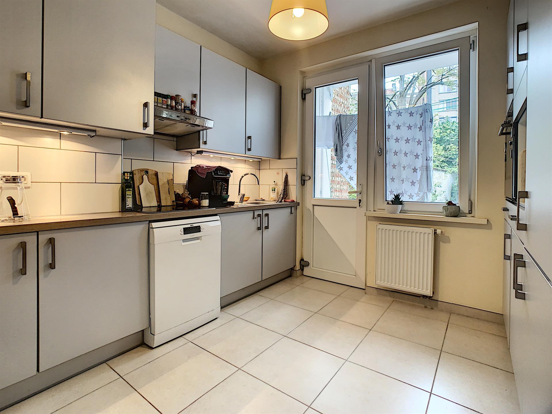 Appartement - Etterbeek - #4418245-2