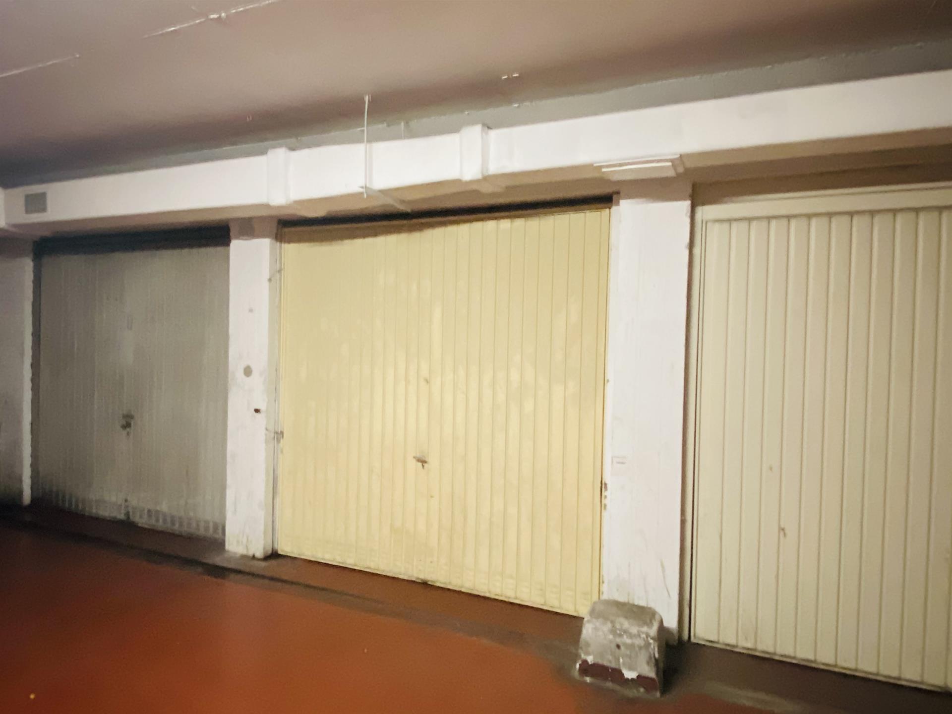 Garage (ferme) - Anderlecht - #4452821-0
