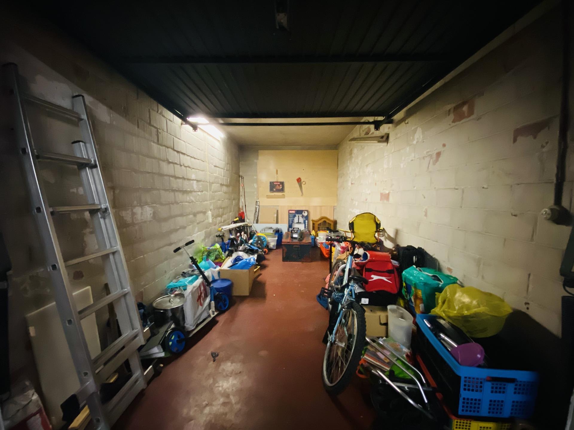 Garage (ferme) - Anderlecht - #4452821-2