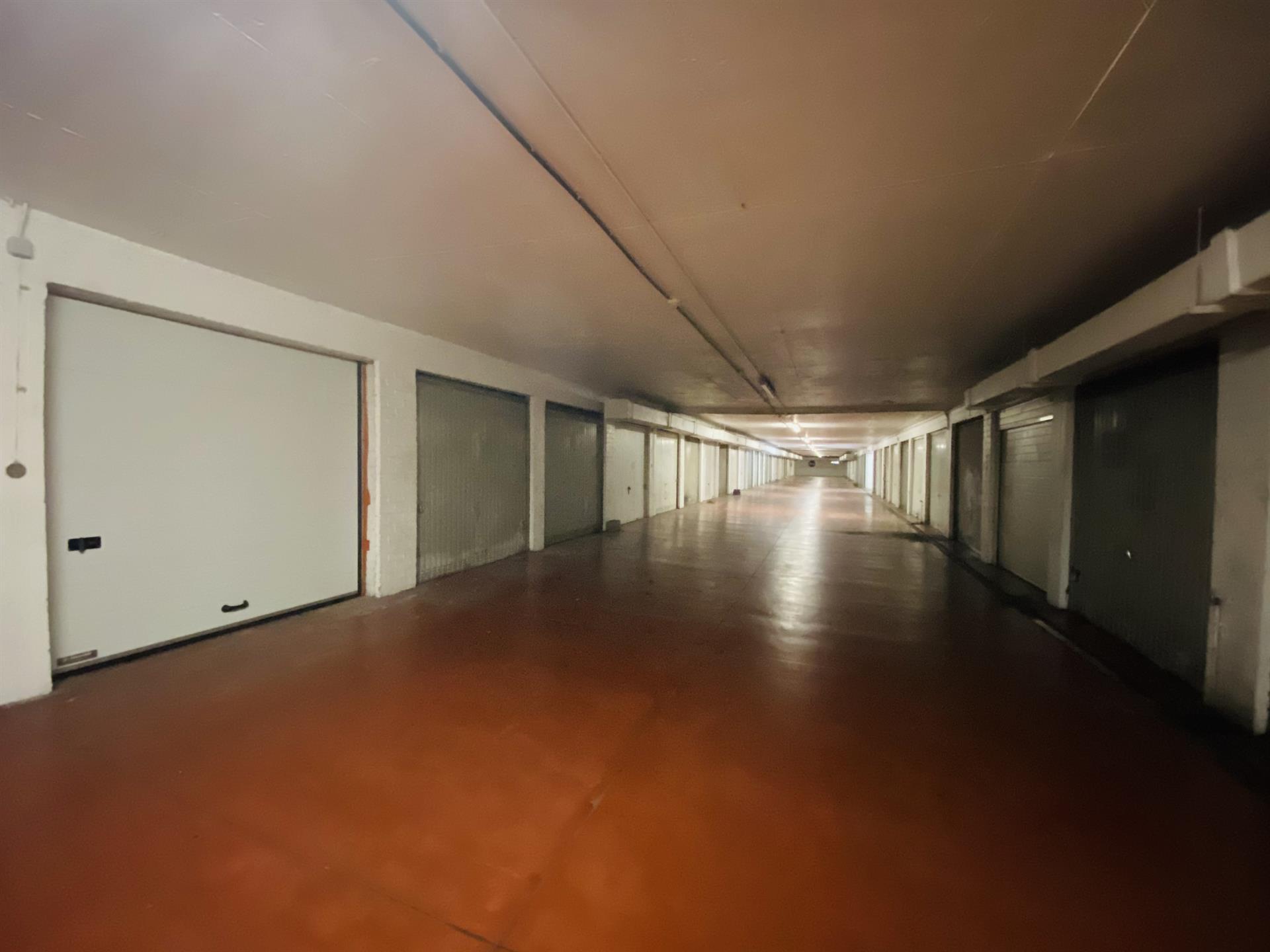 Garage (ferme) - Anderlecht - #4452821-1