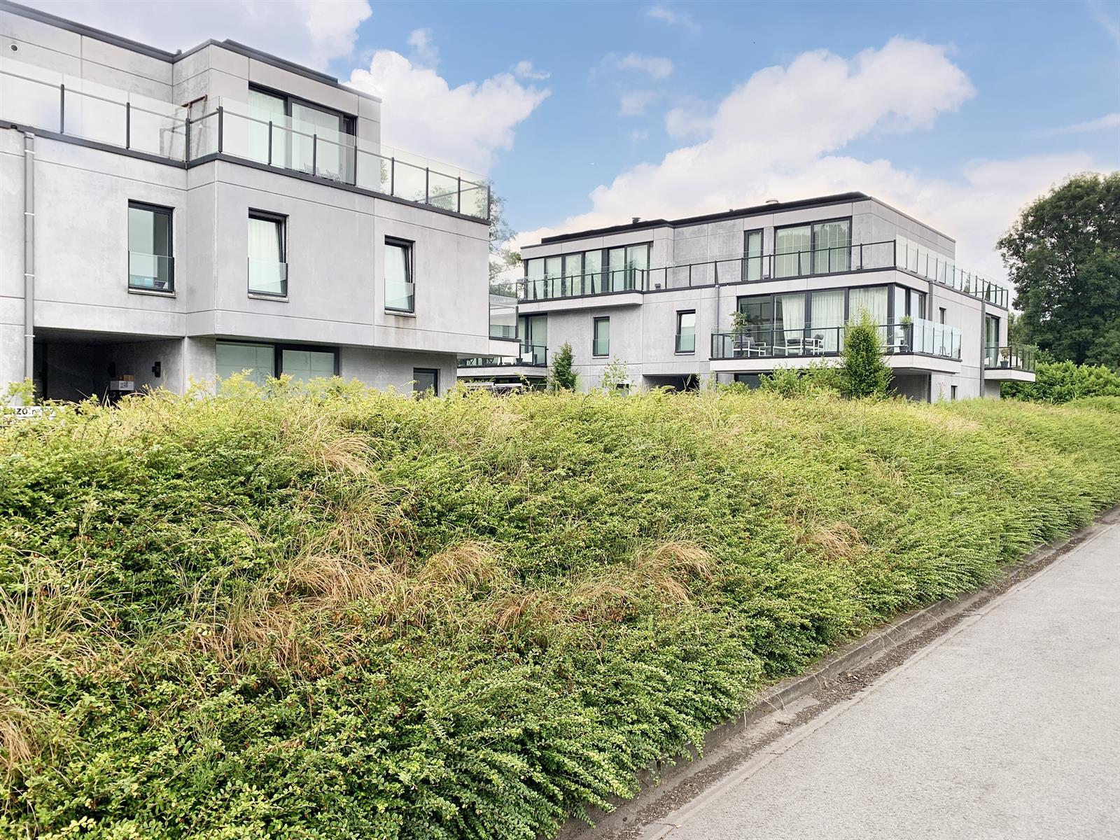 Prachtige penthouse te St-Martens-Latem met 166m2 terras.
