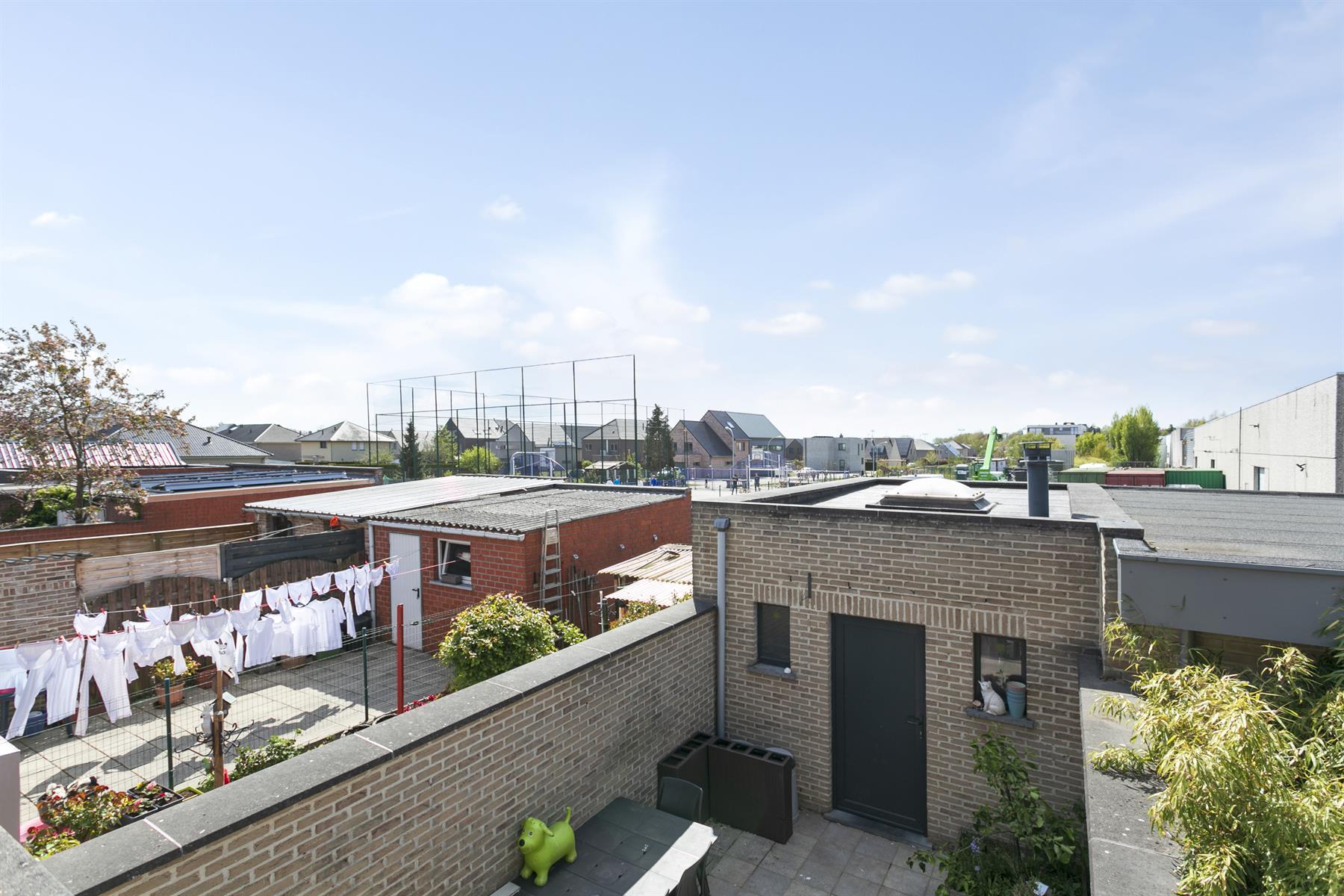 Instapklare woning met garage te Wetteren