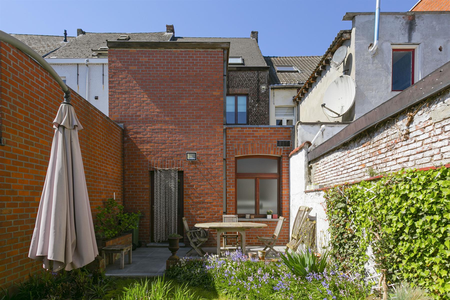 Woning met tuin aan de markt in Wetteren
