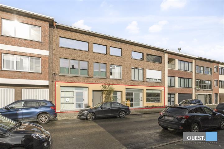 Commercieelcommercieel gelijkvloers te Antwerpen Wilrijk, Pierebeekstraat 13