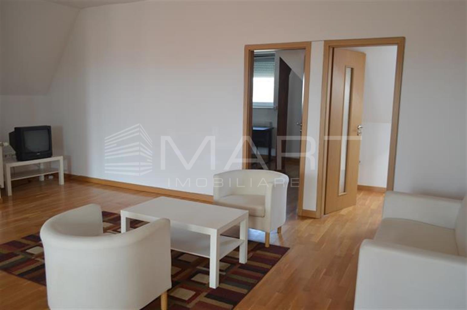 Apartament tip penthouse 3 camere zona Strand