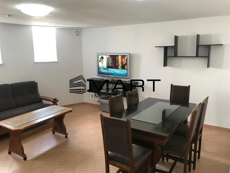 Apartament la vila 2 camere si garaj zona Sub Arini