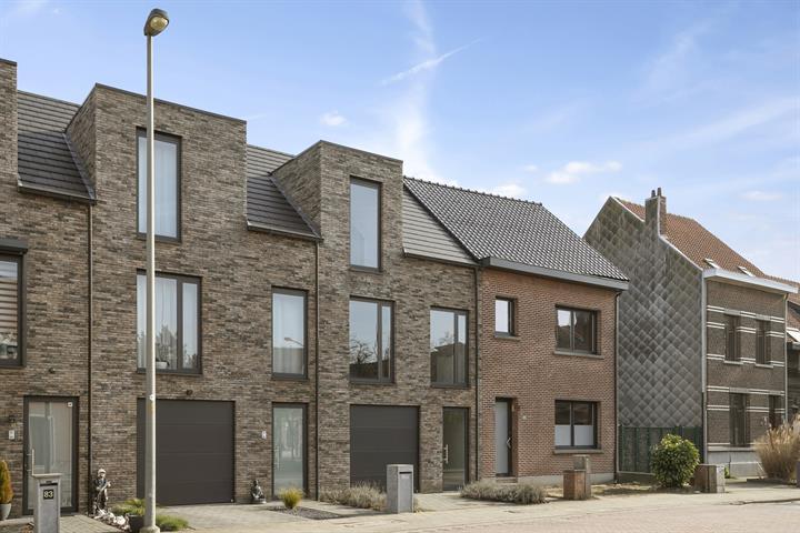 Energiezuinige nieuwbouw bel-étage met 2 slaapkamers, terras & tuin.