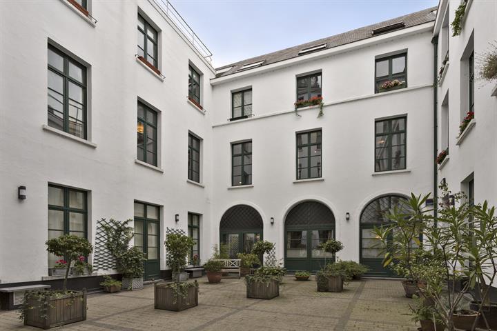 Authentiek appartement van 215m² met 3 slaapkamers en 3 badkamers in centrum Antwerpen