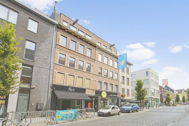 Appartement met 3 slaapkamers en terras in centrum Lier!