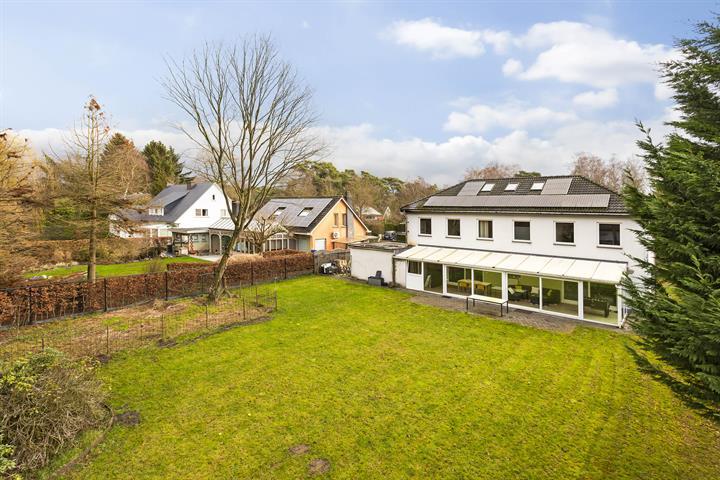 Ruime villa op rustige residentiële locatie in wijk Zonnebos op 1250m².