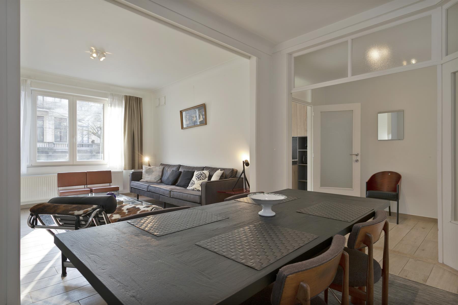 Hoogwaardig bemeubeld appartement op toplocatie.