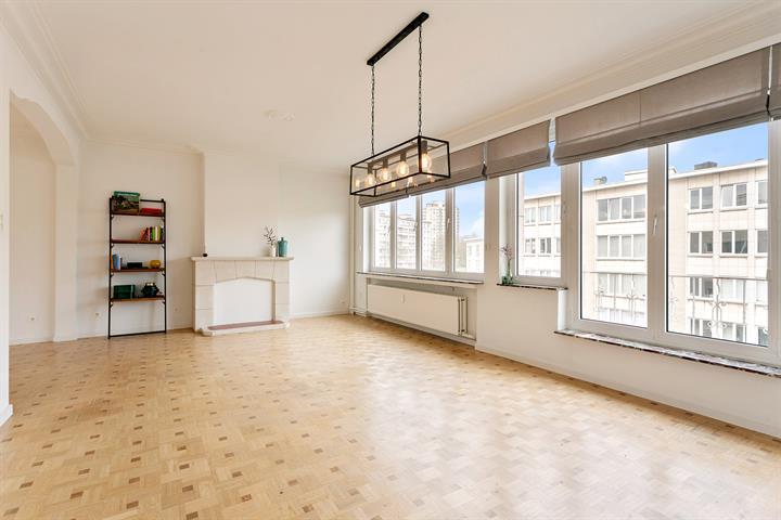 Ruim 2-slaapkamer appartement in de Tentoonstellingswijk.