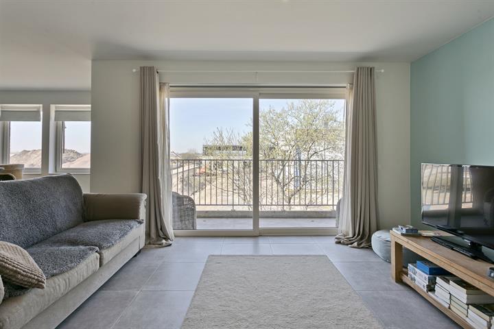 Appartement met 2 slaapkamers, terras en een autostaanplaats.