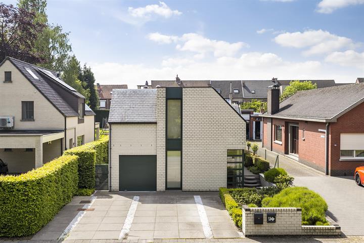 Prachtige villa tegenover Gemeentelijk Park te Boom.