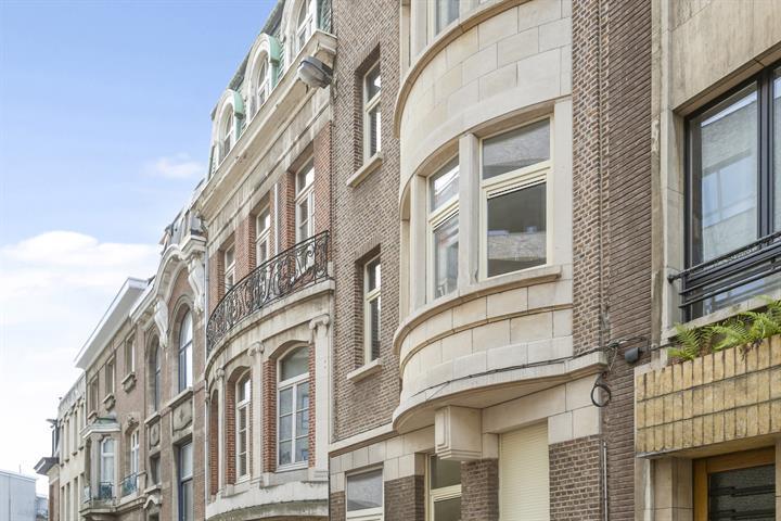 Gerenoveerd appartement aan de grens van de Markgrave wijk en Oud-Berchem.