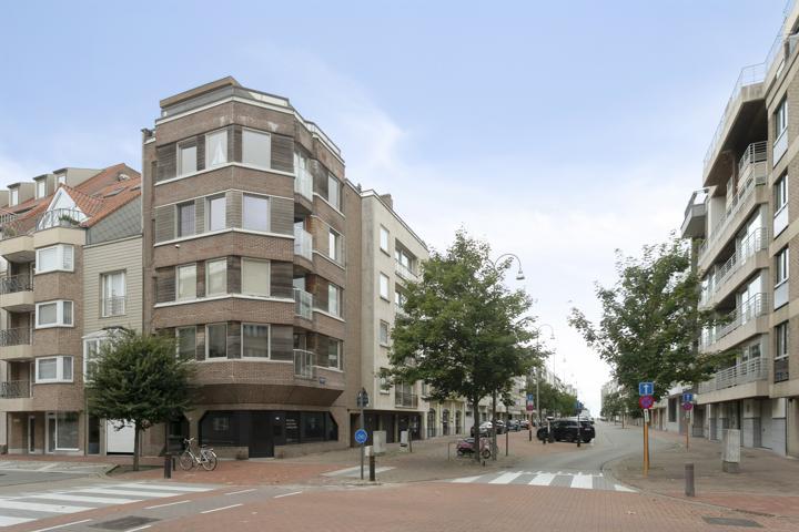 Prachtige duplex met terras nabij de Zeedijk en Lippenslaan.