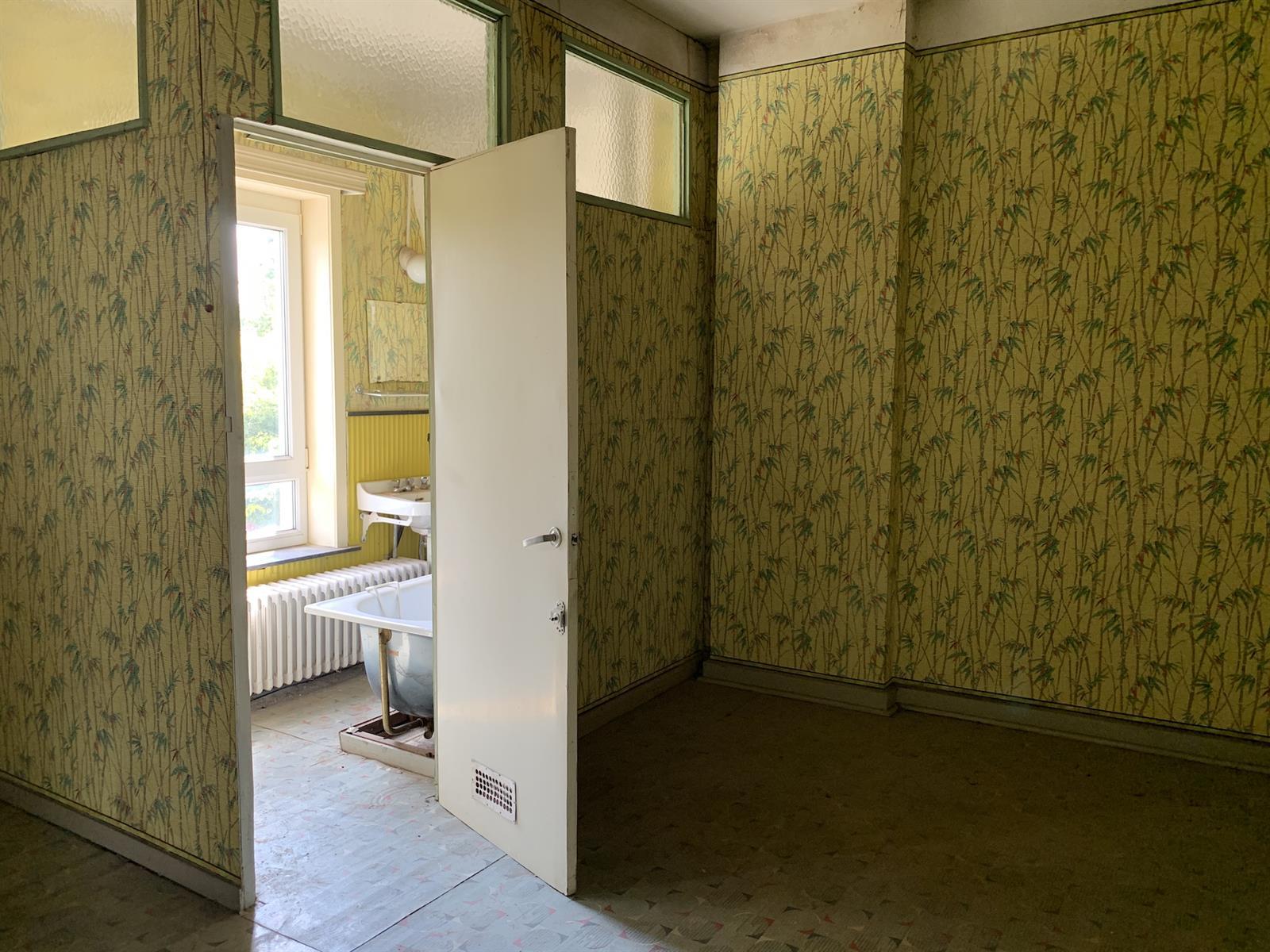 Maison de maître - Chapelle-lez-Herlaimont - #4281086-7