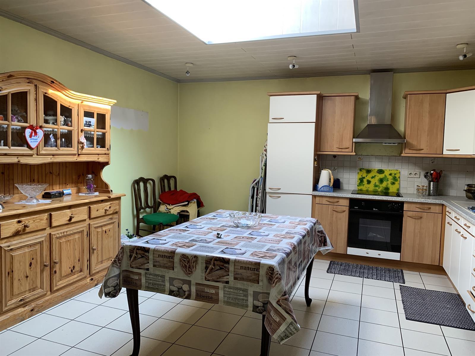 Maison - Fontaine-l'Eveque - #4281182-3