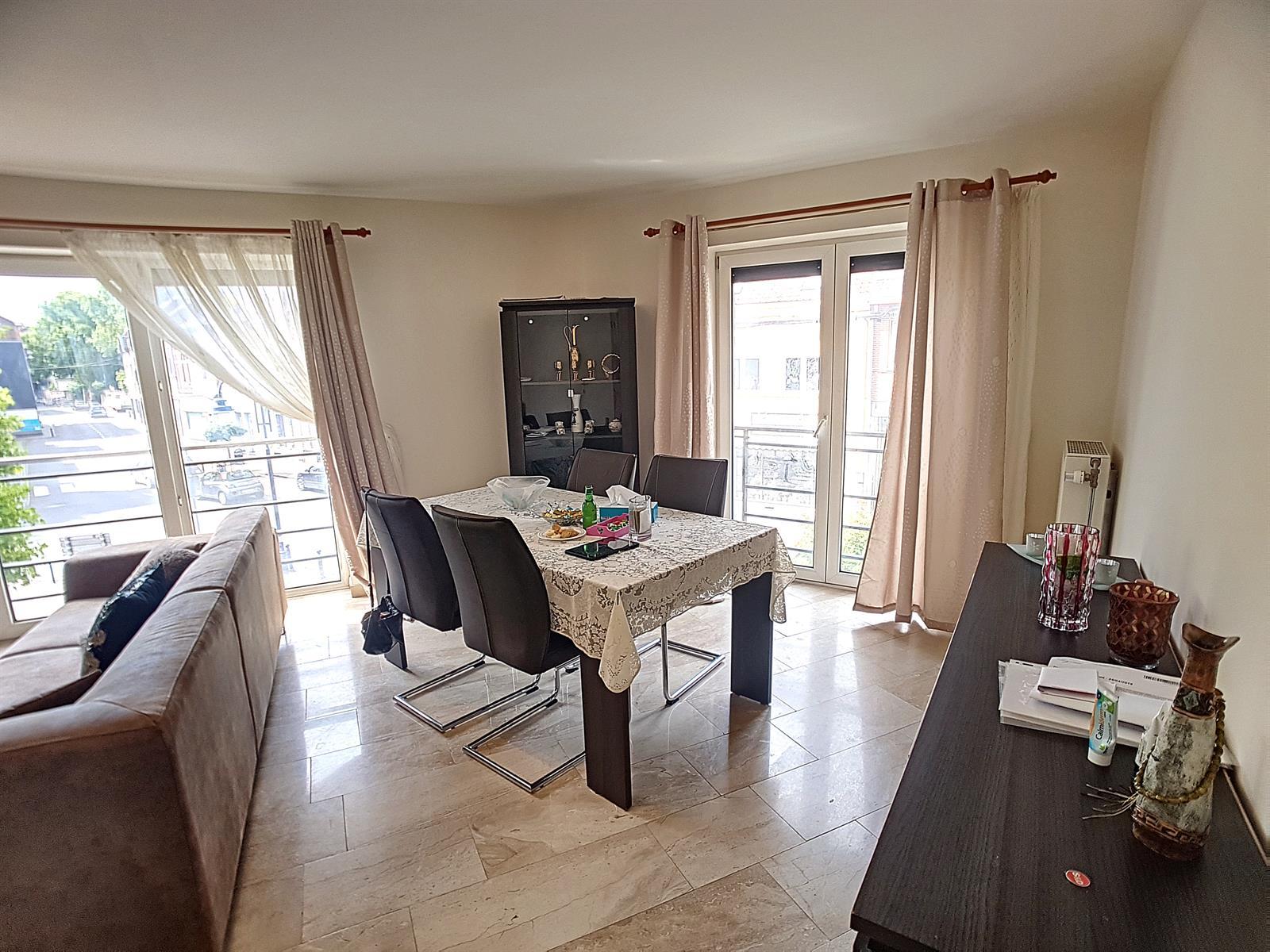 Appartement - Court-St.-Etienne - #3847212-3