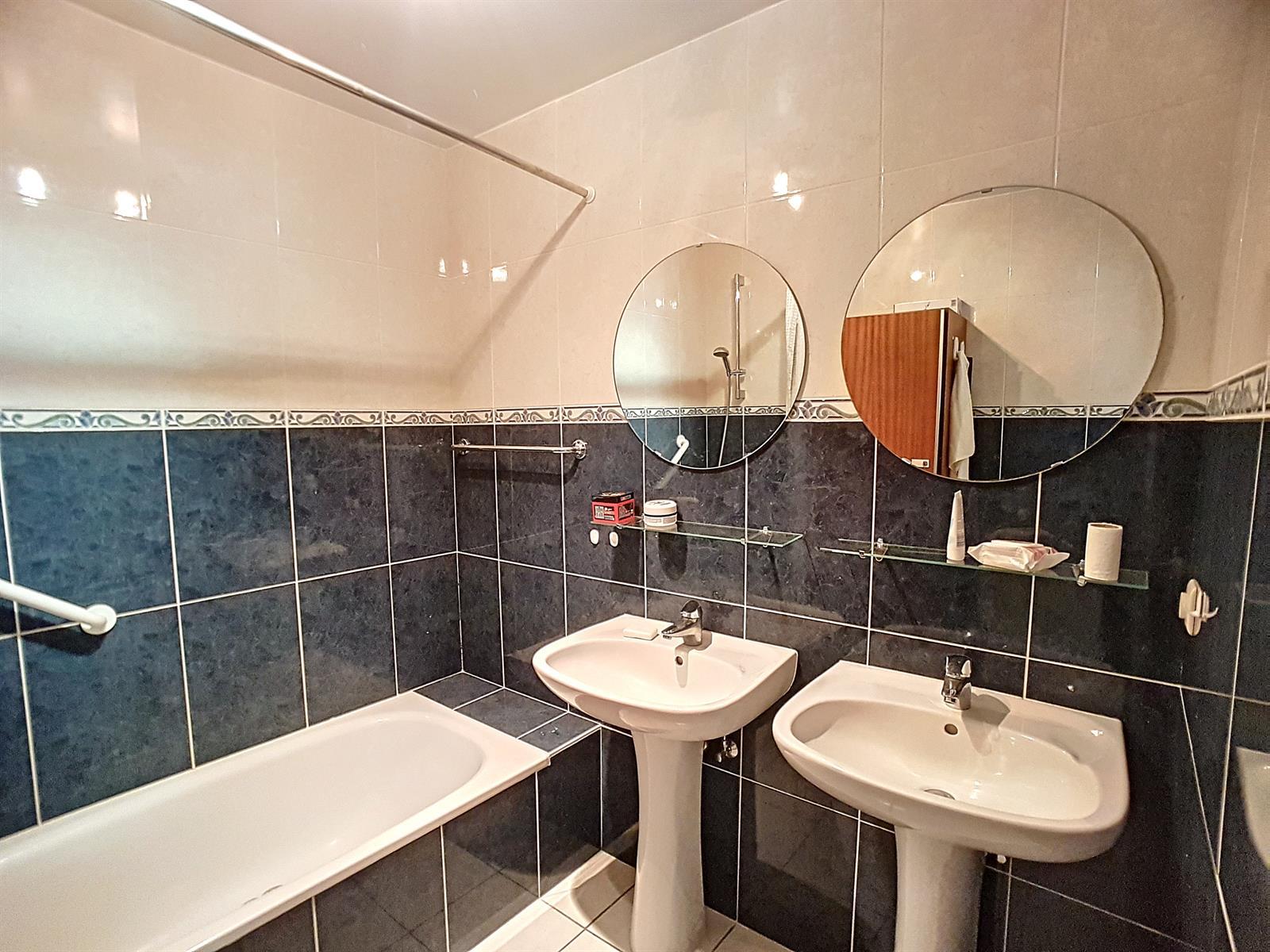 Appartement - Court-St.-Etienne - #3847212-4