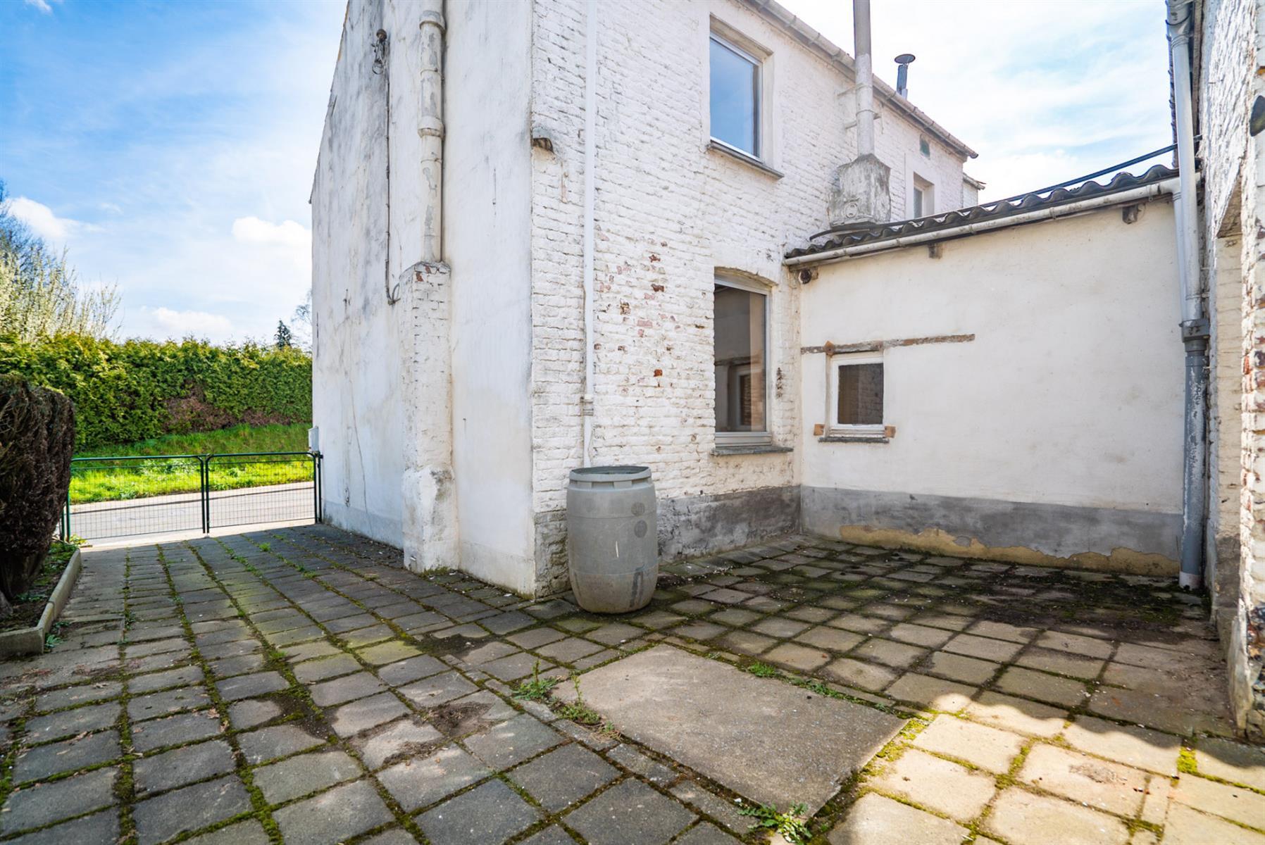 Maison - Court-Saint-Etienne - #3854674-15