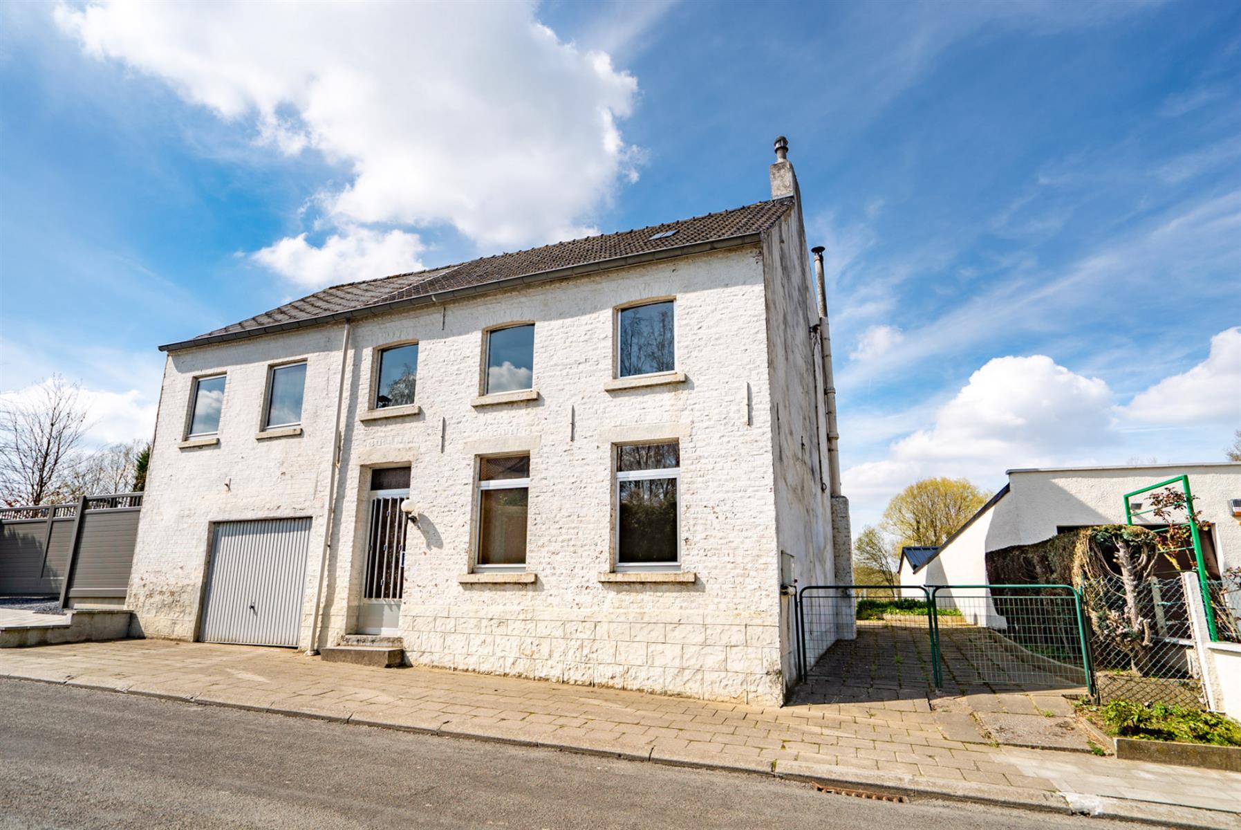 Maison - Court-Saint-Etienne - #3854674-0
