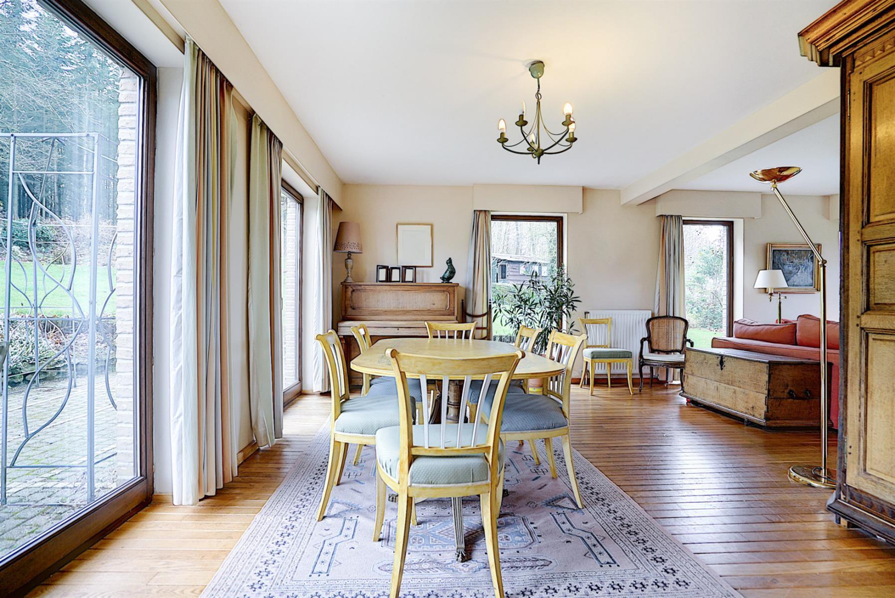 Villa - Court-Saint-Etienne - #3854741-3