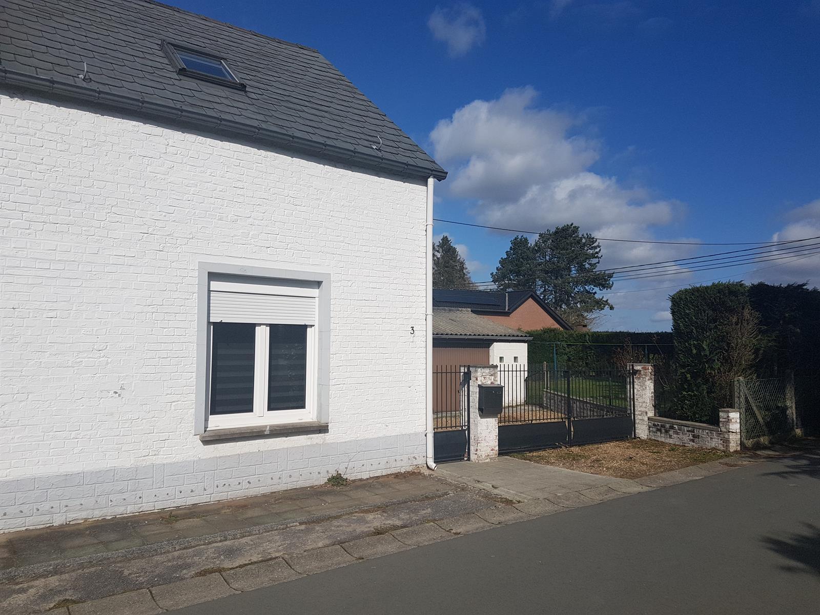Maison - Court-saint-Étienne - #3992017-21