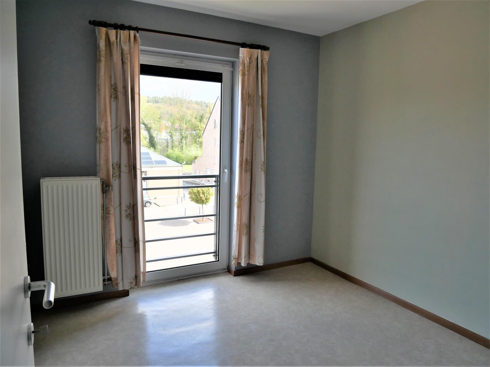 Appartement - Court-St.-Etienne - #4348315-9