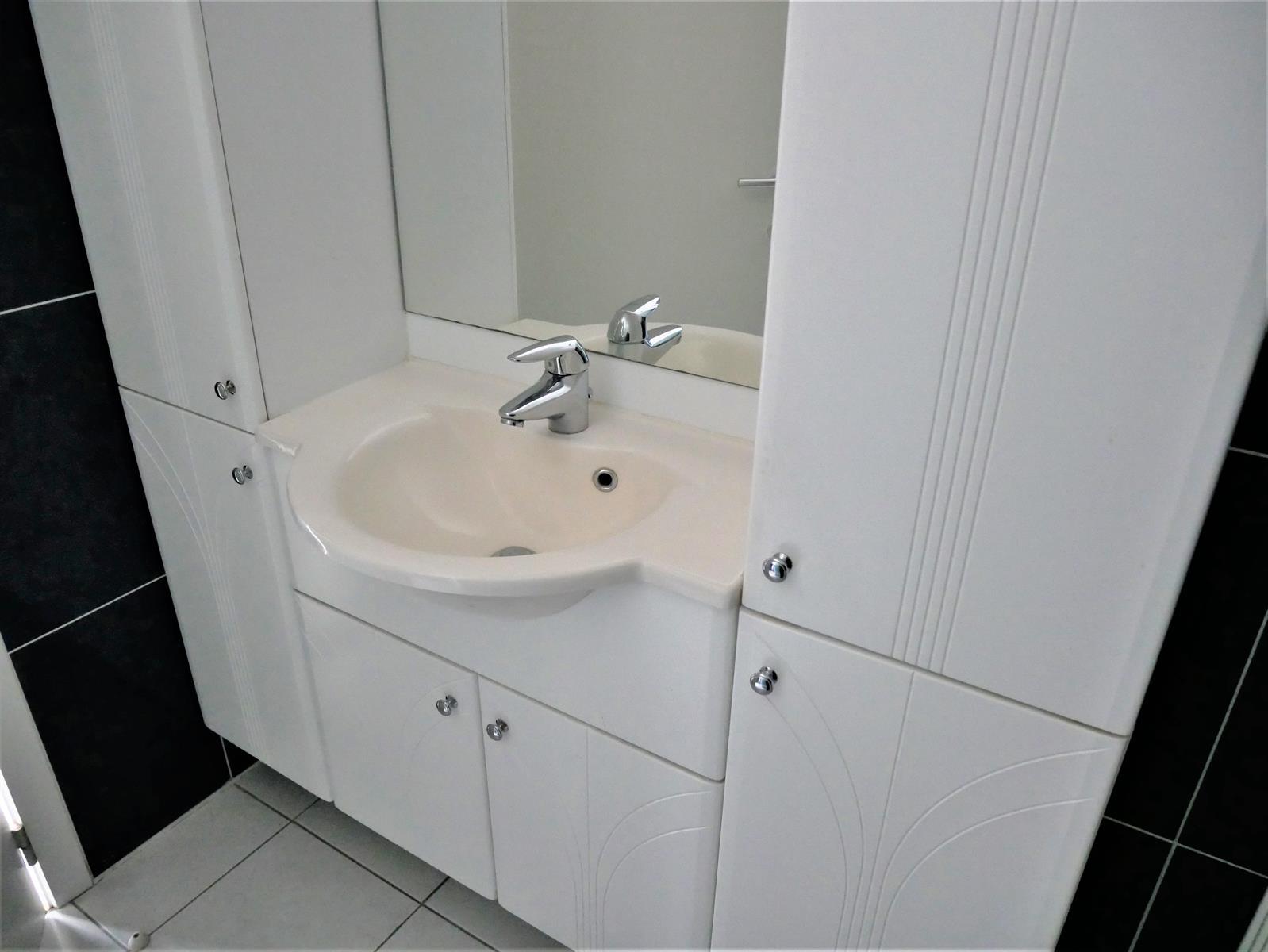 Appartement - Court-St.-Etienne - #4348315-10