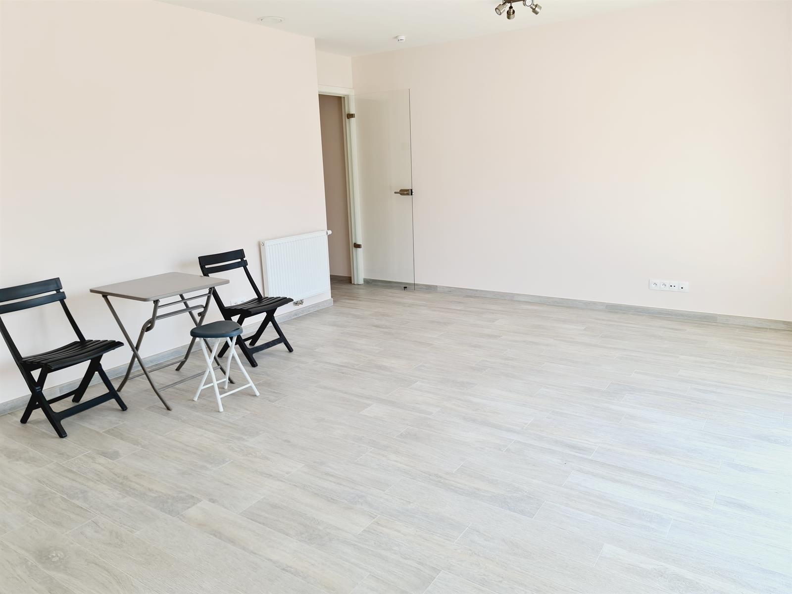 Appartement - Court-St.-Etienne - #4395992-2