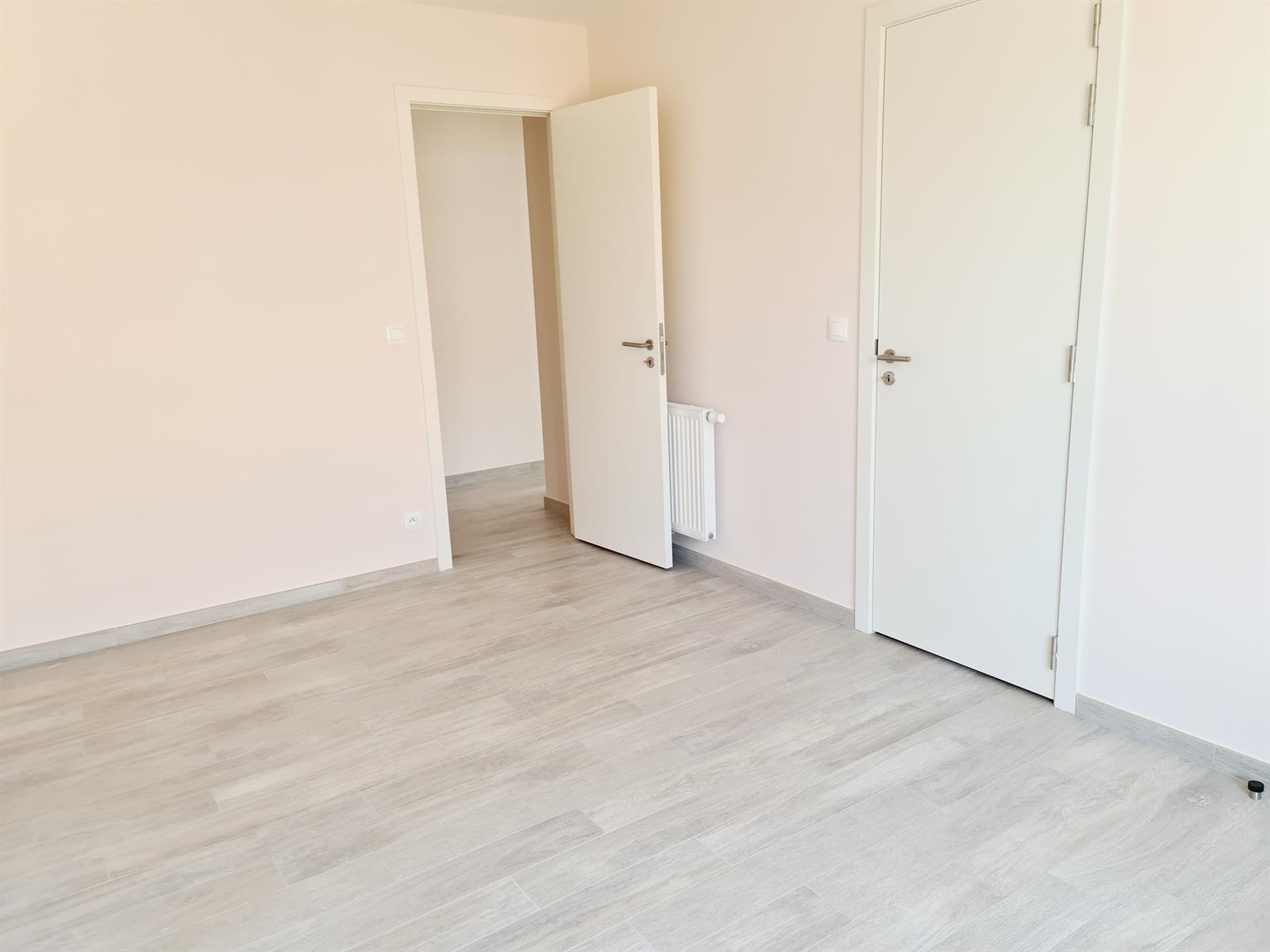 Appartement - Court-St.-Etienne - #4395992-10