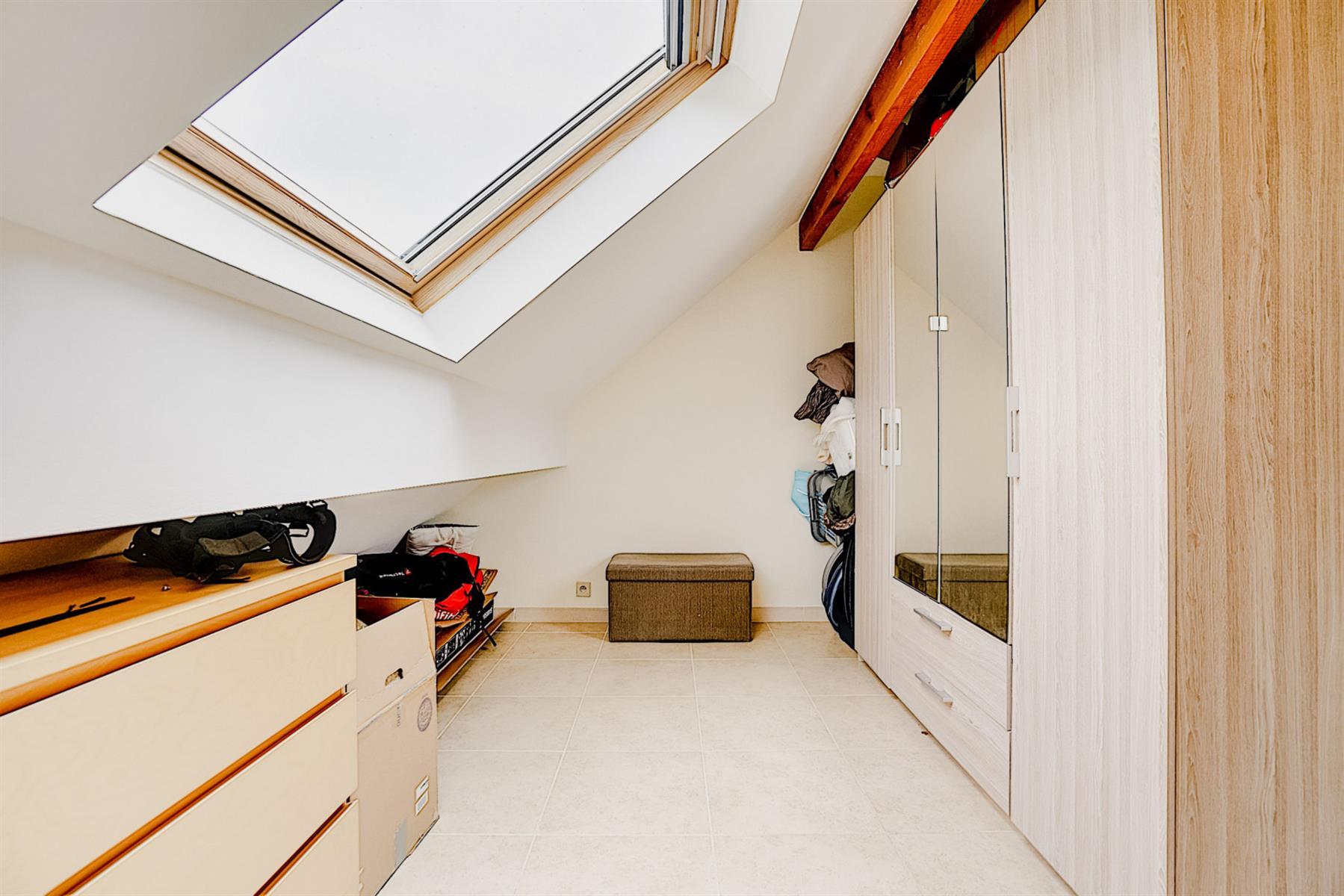 Appartement - Court-saint-Étienne - #4417219-20