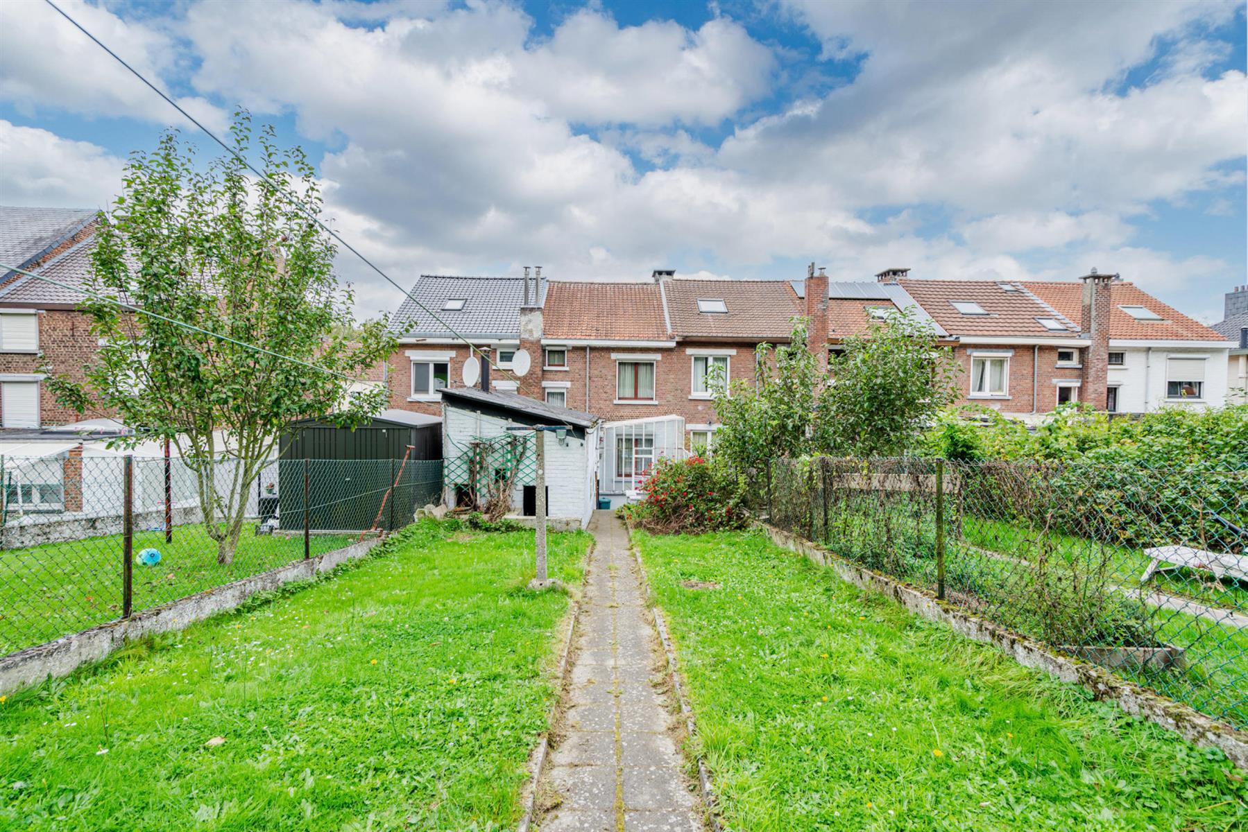 Maison - Court-saint-Étienne - #4518416-17