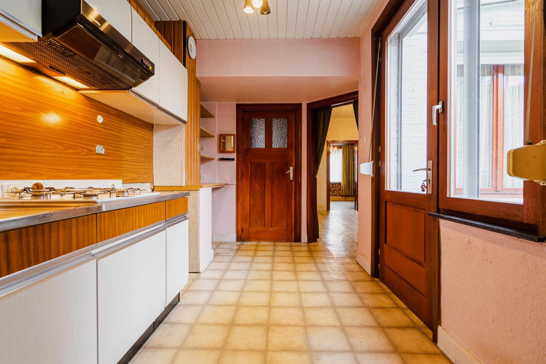 Maison - Court-saint-Étienne - #4518416-6