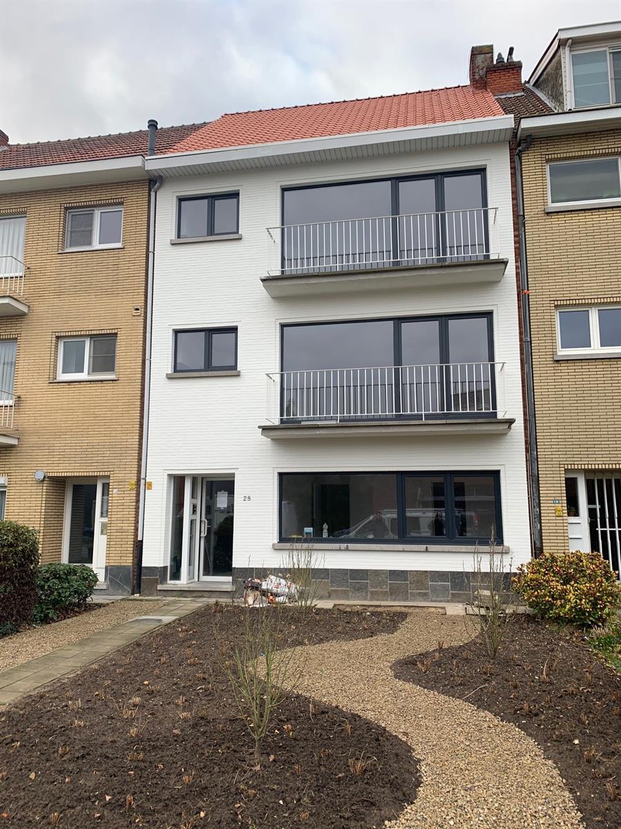 Gerenoveerd appartement op wandelafstand van centrum Schoten.