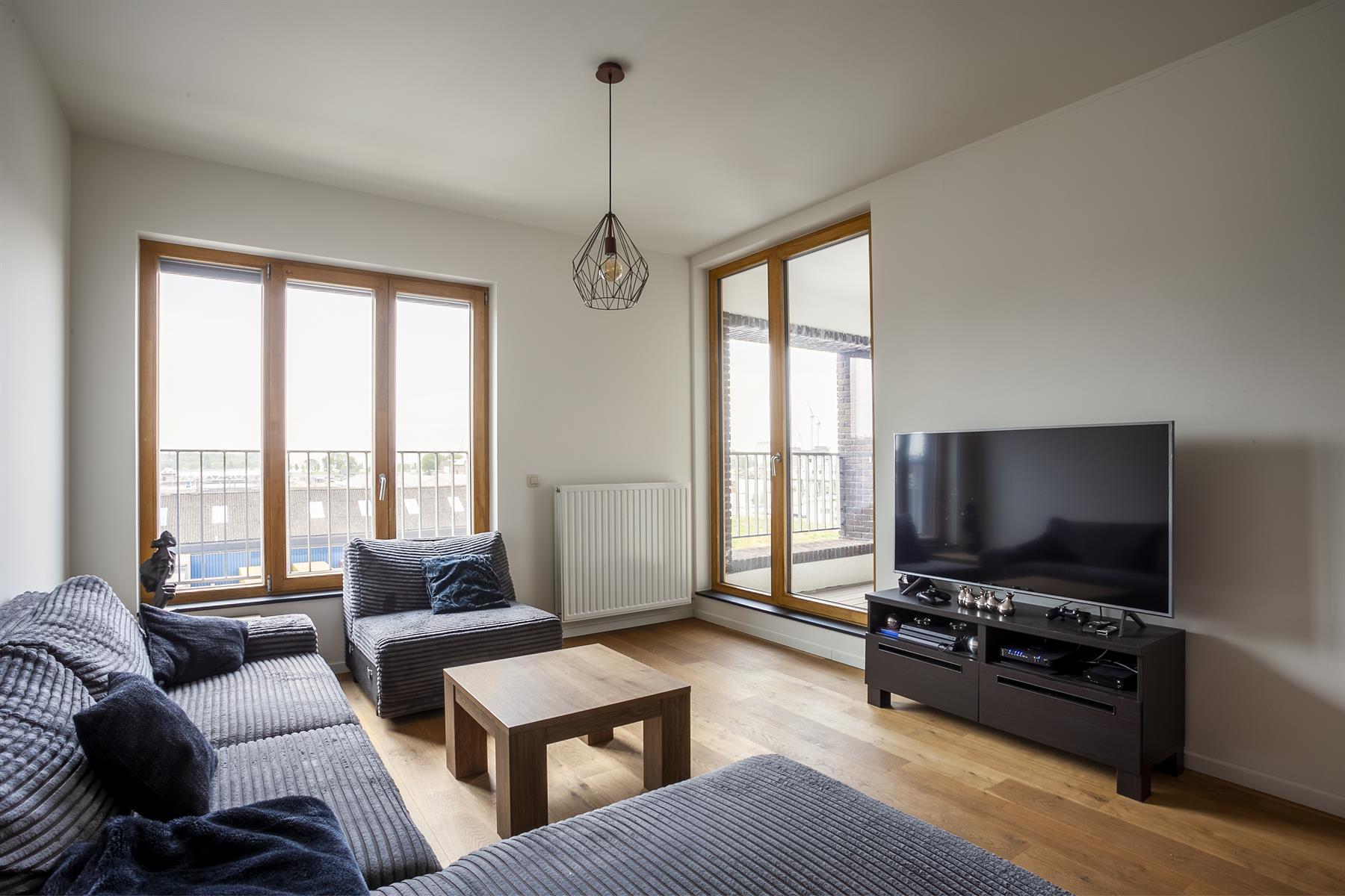 Prachtig 2 slaapkamer appartement gelegen in de Cadixwijk.