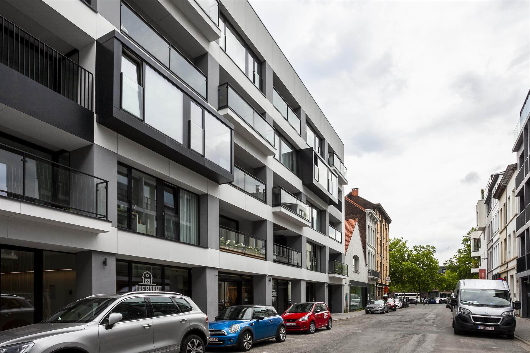 Trendy gemeubeld appartement op 't Zuid met terras.