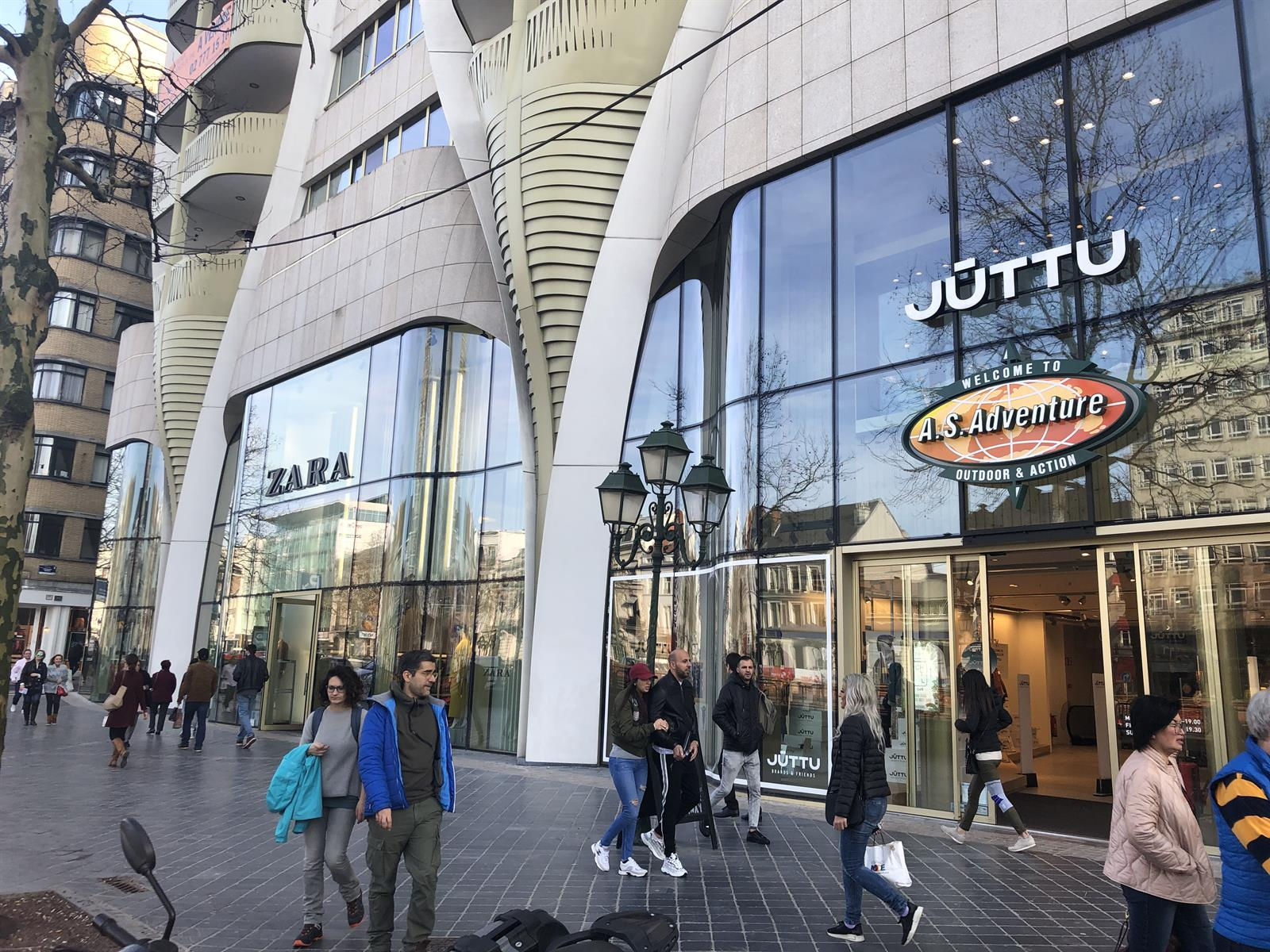 Commerce individuel - Ixelles - #3956366-0