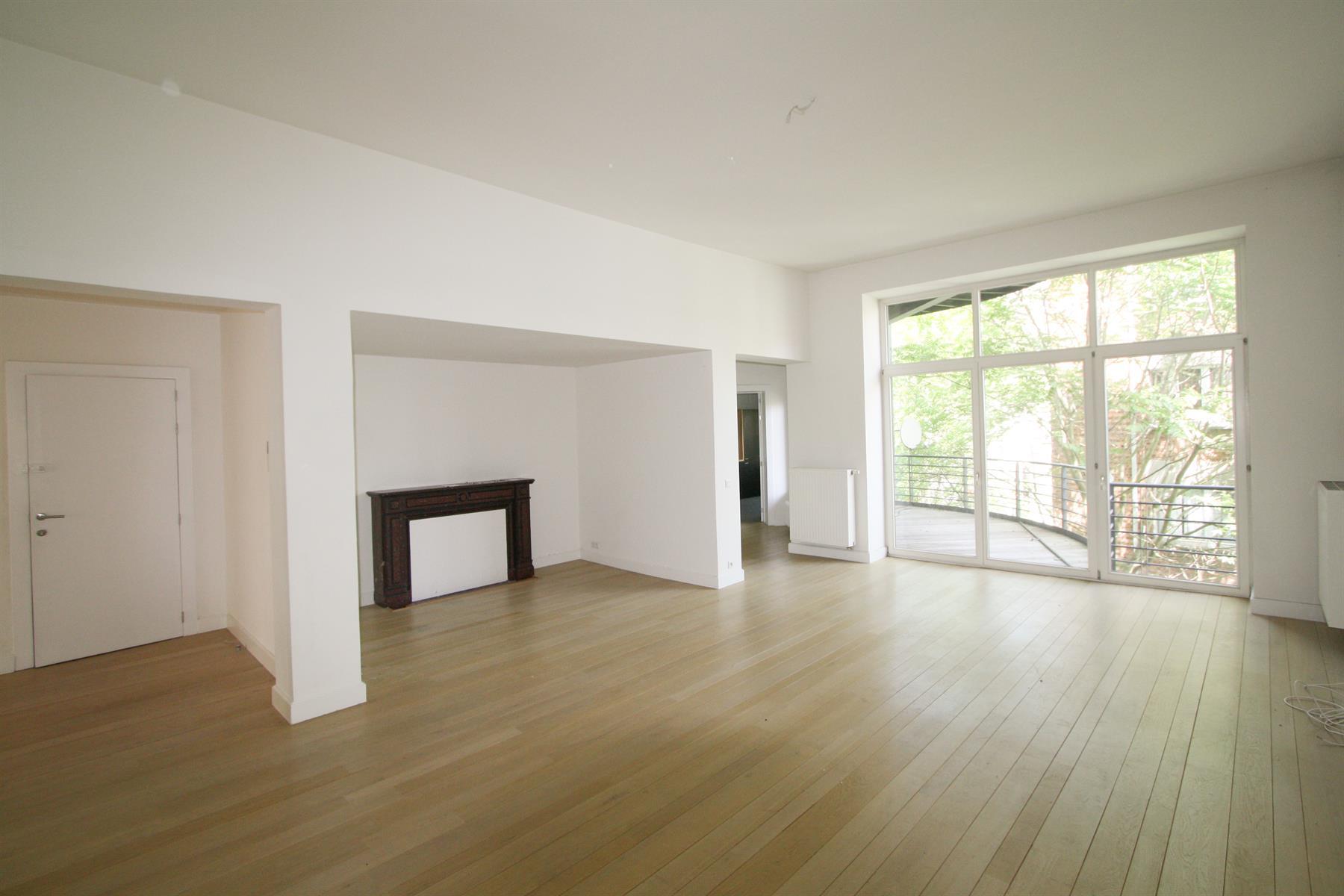 Appartement - Ixelles - #4419713-0