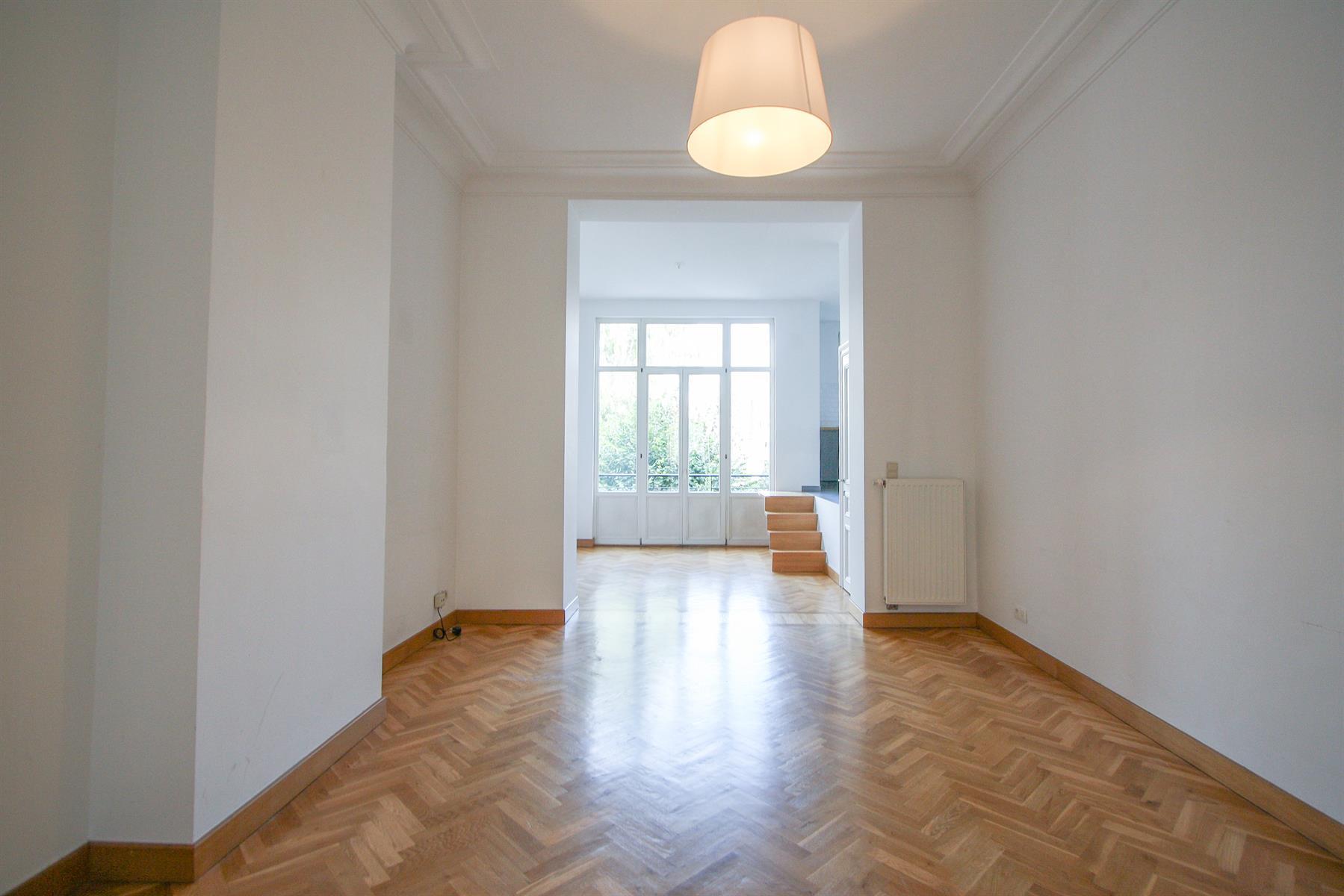 Appartement - Etterbeek - #4448025-1