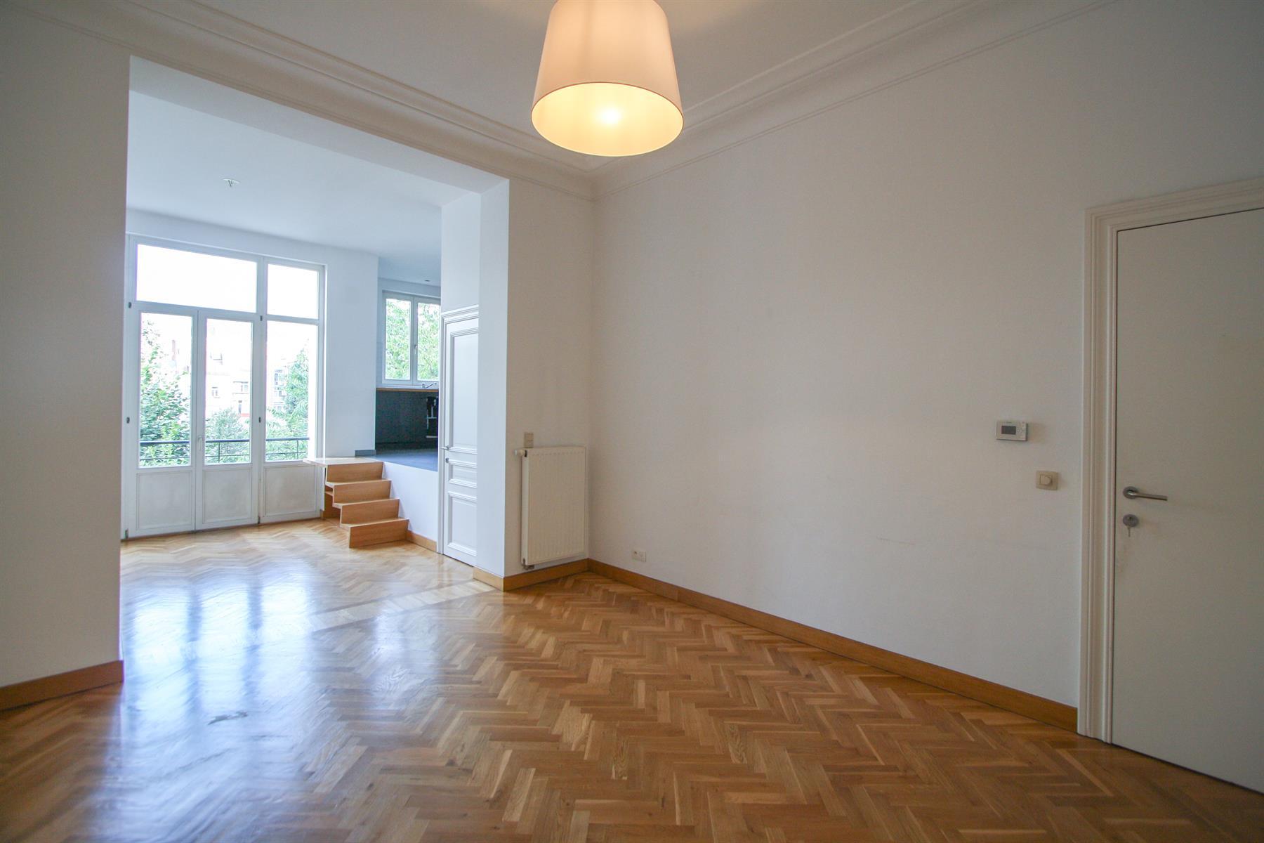 Appartement - Etterbeek - #4448025-0