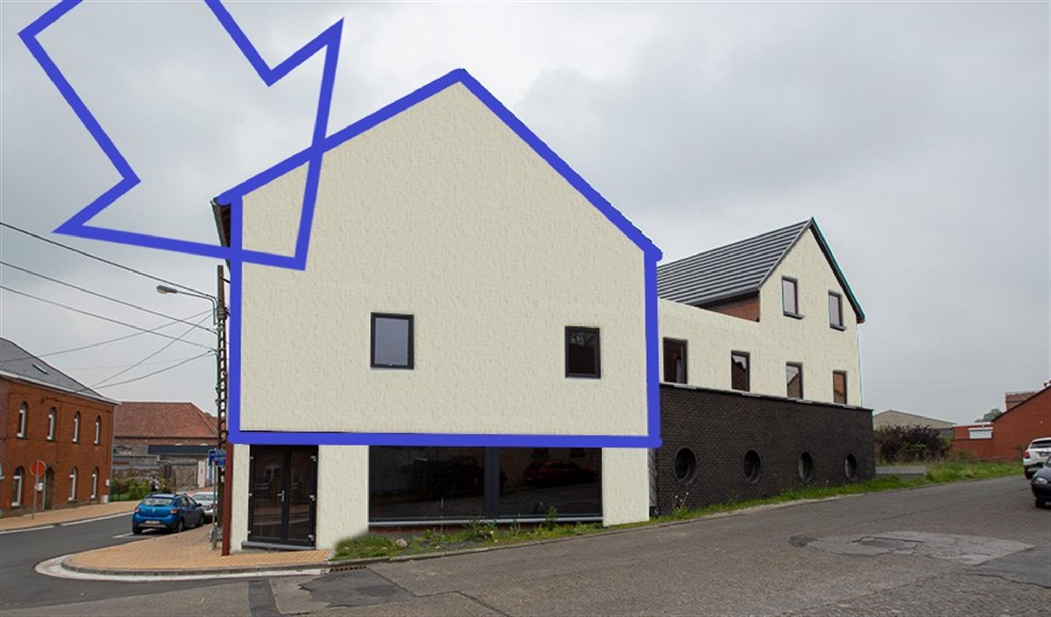 Spacieux appartement triplex 2 chambres en état de GOF