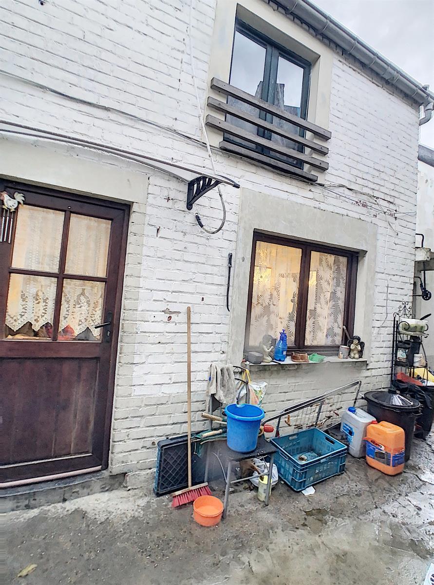 Immeuble à appartements - Charleroi-Marchienne-au-Pont - #4198385-1