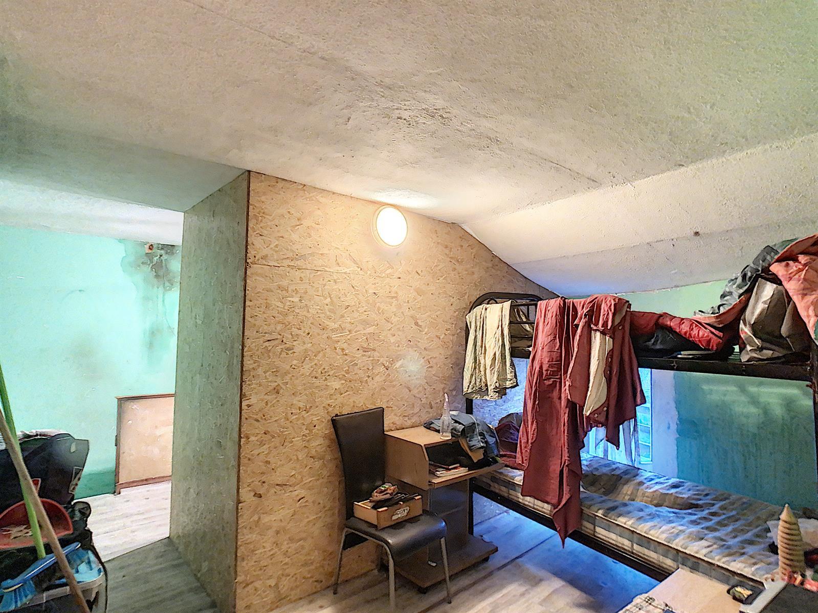 Immeuble à appartements - Charleroi-Marchienne-au-Pont - #4198385-13