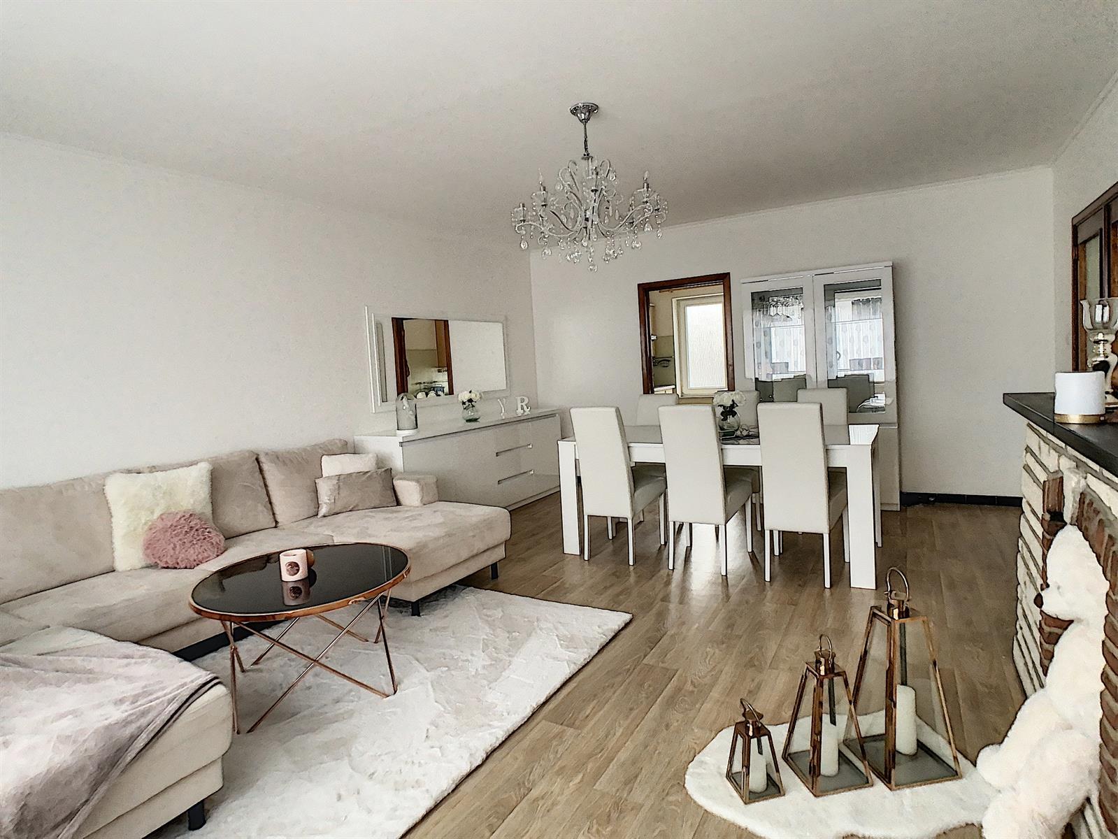 Appartement - Charleroi-Marchienne-au-Pont - #4240034-0