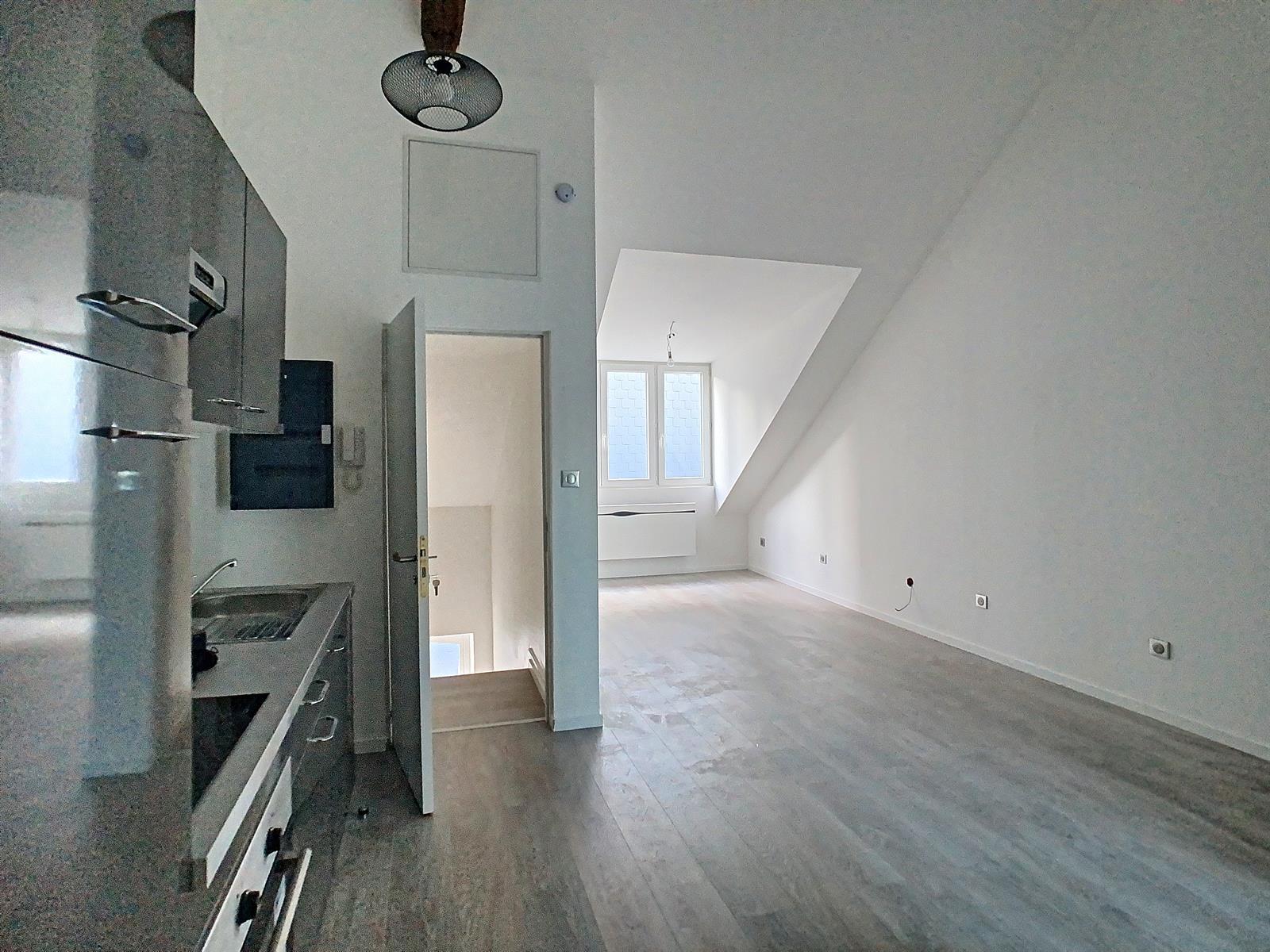 Appartement - Charleroi - #4295072-1